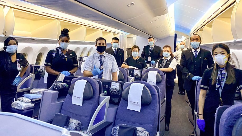 Mandatory masks on United